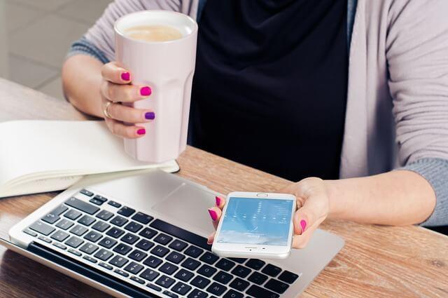 praca w domu przez internet jako freelancer